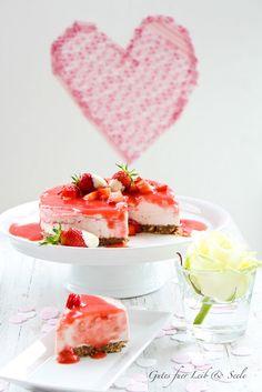 Erdbeer-Mascarpone-Topfen-Torte mit Streuselboden von http://www.kuechenplausch.de/profile/gutesfuerleibundseele
