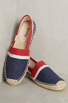 29 Espadrilles For Your Perfect Look This Winter - Women Shoes Styles & Design Pretty Shoes, Cute Shoes, Me Too Shoes, Striped Espadrilles, Ladies Espadrilles, Shoe Wardrobe, Espadrille Shoes, All About Shoes, Summer Shoes
