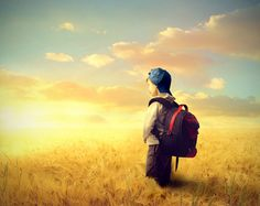 Θυμάστε καθόλου την ουσία της παιδικότητας; Τι είναι αυτό που κάνει ένα παιδί παιδί; Παιδική ηλικία είναι η θύμηση ενός απλωμένου... κόσμου, τότε που υπήρχαν στιγμές γεμάτες, χωρίς χθες και αύριο, τότε που χανόταν ο χρόνος.