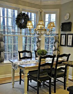 Modern French Country Dining Room Table Decor Ideas (25)