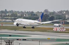 UNITED 787-8 moments away from touching down at LAX after a flight across the Pacific from NRT on Feb. 21, 2015.