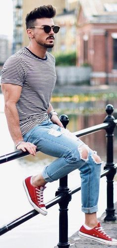 Wrangler® Men's Relaxed Fit Jeans with Flex 20 stylish Striped Outfit Ideas For Men Who Love Stripes - Men Jeans - Ideas of Men Jeans - Striped T-shirt With Ripped Jeans Outfit Ideas For Men Komplette Outfits, Jean Outfits, Casual Outfits, Men Casual, Striped Outfits, Casual Styles, Casual Jeans, Jeans Style, Outfit Jeans