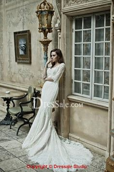 V-neck Vintage and Noble Lace Sheath Bridal Gown