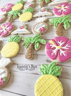 Super Bridal Shower Cookies Royal Icing How To Make Ideas Cheap Bridal Shower Invitations, Tropical Bridal Showers, Bridal Shower Cakes, Tea Party Bridal Shower, Bridal Shower Rustic, Hawaiin Wedding, Hawaiian Cookies, Bridal Party Getting Ready, Cookie Bouquet