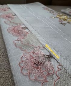 No photo description available. Ribbon Embroidery Tutorial, Bullion Embroidery, Needle Lace, Lace Making, Bargello, Filet Crochet, Lace Design, Crochet Flowers, Age