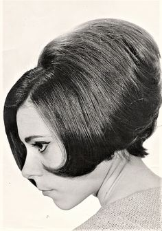 1960s Hair, Personality Disorder, Elegant Hairstyles, Big Hair, The Past, Old Things, Retro, Hair Styles, Beauty