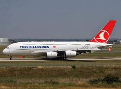Turkish Airlines : un atterrit à Istanbul avec un réacteur en feu Turkish Airlines, Airbus A380, Boeing 747, Istanbul, All Airlines, Commercial Aircraft, Photo Search, Whale Watching, Airports
