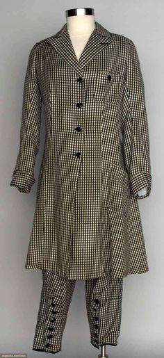 lady's wool riding habit for English saddle - white and black check, long jacket w/deep back vent, and matching jodphurs. Vintage Safari, Vintage Horse, 1920s Suits, Riding Habit, Vintage Outfits, Vintage Fashion, Vintage Sportswear, Cycling Outfit, Athletic Women