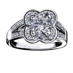 Chance of Love N.10 Ring, 18K white gold, diamonds minimum total weight 1ct, HSI quality