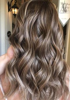 See the high contrasts of balayage ombre hair colors for 2018. These modern style balayage highlights are best choices for ladies to sport with long and medium haircuts. Take these images and photos to your colorist to wear these awesome hair colors in these days. Here we've collected unique balayage highlights.