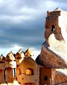 « La arquitectura es la ordenación de la luz; la escultura es el juego de la luz. »