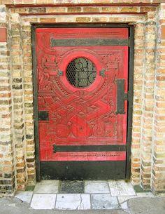 Edgar Miller door, 1700 block N Wells St by YoChicago1, via Flickr