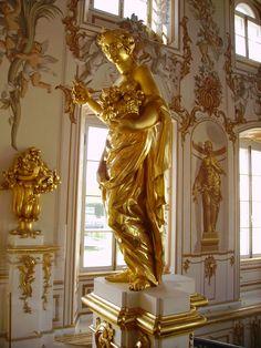 File:Grand Peterhof Palace-main staircase-2.jpg.jpg