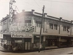 Hoyts Bentleigh theatre as it looked in the Cinema closed in now a real estate office. Real Estate Office, Theatres, Local History, Movie Theater, Old Pictures, Movies To Watch, 1940s, Melbourne, The Past