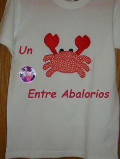 Camiseta de niño decorada a mano con aplicación de cangrejo en pachword. Precio: 18 euros