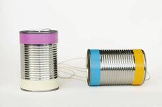 Cómo hacer un teléfono de juguete con latas.  Es tan rápido y fácil de hacer que te sorprenderá. Los niños quedaran impresionados de cómo funciona.