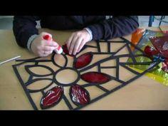 Como hacer una vidriera en cartulina - YouTube