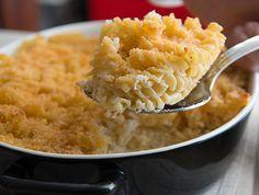 פשטידת פסטה: מתכון לפשטידת פסטה עם גבינה צהובה וקוטג', שמכינים בקערה אחת. הכי קל, הכי טעים