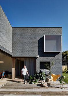Hoddle House by Freadman White - the brick colour