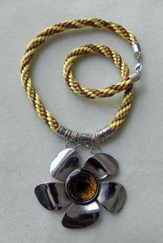collar, collares para mujer, accesorios, cordones de seda, collar de kumihimo, collar amarillo y cafe, necklace, de PekitasCreations en Etsy