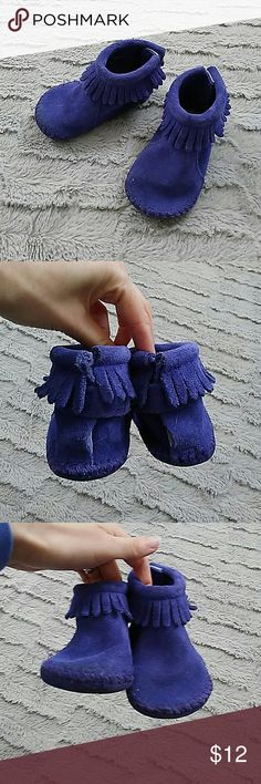 Selling this Minnetonka moccasins size 4 childs on Poshmark! My username is: blackkatcloset. #shopmycloset #poshmark #fashion #shopping #style #forsale #Minnetonka #Other