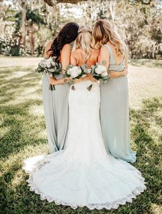 wedding bridesmaids Show Me Your Mumu ~ Silver Sage Bridesmaid Dresses Wedding Photography Checklist, Wedding Photography Styles, Mehendi Photography, Couple Photography, Photography Ideas, Photography Lighting, Makeup Photography, Mint Green Bridesmaid Dresses, Wedding Ceremony Ideas