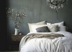 11 schlafzimmer mit einer dunkel gefrbten wand - Schlafzimmerideen Des Mannes Grau