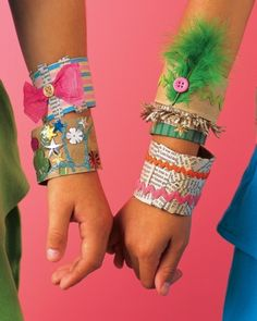 Paper Bracelet: paper-towel tubes, buttons, feathers, and ribbon Kids Crafts, Summer Crafts, Arts And Crafts, Paper Crafts, Paper Towel Tubes, Bracelet Crafts, Paper Bracelet, Felt Bracelet, Paper Jewelry