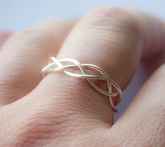 Braided wedding band to go with a solitaire engagement ring   PERFECT