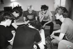 ♥ - EXO Photobook 'DIE JUNGS'.