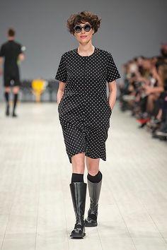 http://fashionweek.ua/gallery/viktoranisimov-ss16-935/item