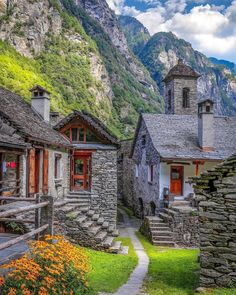 Travel Discover Ticino Switzerland Picture by via : wonderful_places Places Around The World Oh The Places You& Go Places To Travel Places To Visit Around The Worlds Travel Stuff Wonderful Places Beautiful Places Dream Vacations Places Around The World, The Places Youll Go, Places To Visit, Wonderful Places, Beautiful Places, Beautiful Pictures, Destination Voyage, Dream Vacations, Vacation Spots