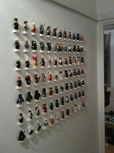 DIY..oooo love this for my awesome nerdy collection lol