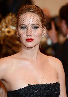 Feeling Feline: The 12 Best Red Carpet Cat Eyes - Jennifer Lawrence