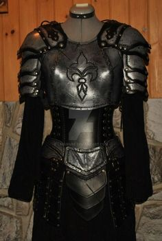 women leather armor armure cuir femme by Lagueuse on DeviantArt Armadura Medieval, Medieval Costume, Medieval Armor, Fantasy Armor, Fantasy Dress, Costume Armour, Female Armor, Cosplay Armor, Fantasy Costumes