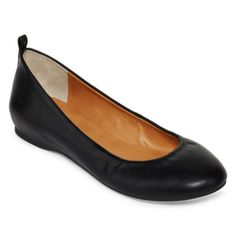 <p>Kick off your heels and elevate your work-to-weekend looks with our comfortably chic ballet flats.</p><ul><li>synthetic upper</li><li>elastic on topline</li><li>cushioned heel pad</li></ul><p>