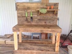 Potting-Bench-Made-with-Wooden-Pallets