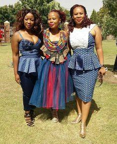Elements of traditional Nigerian styles 2017 African Fashion Traditional, South African Fashion, African Fashion Designers, African Print Fashion, Africa Fashion, Traditional Outfits, African Prints, Traditional Wedding, Xhosa Attire