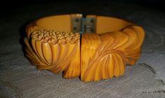 Vintage Art Deco Chunky DEEPly CARVED BUTTERSCOTCH Bakelite Hinged BRACELET #Cuff