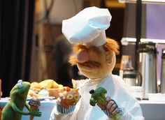 So excited to have my nephew Robin on The Muppets. Don't miss the adorable episode tomorrow at 8:30|7:30c on ABC! Kermit, February 2016