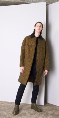 Balenciaga Coats for Men - Discover the latest collection at the official Balenciaga online store.