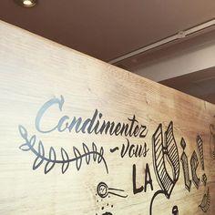En Place ! #journeesmarmiton #condimentezvouslavie Instagram, Decor, Decoration, Decorating, Deco