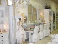 Love love love these chair covers!  Wish I could sew!