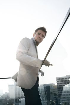 Jeremy Renner - The Hollywood Reporter(2012)