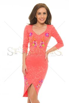 StarShinerS Brodata Tahiti Coral Dress Coral Dress, Colourful Outfits, Tahiti, Beautiful Gowns, Clothing Items, Exotic, Overalls, Short Sleeves, Swimsuits