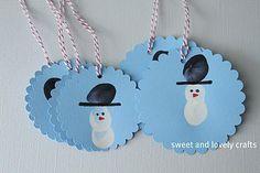 Fingerprint snowmen gift tags
