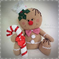 Easy 50 Sewing Tips Rustic Christmas Crafts, Food Baskets For Christmas, Xmas Crafts, Christmas Themes, Christmas Holidays, Gingerbread Crafts, Snowman Crafts, Christmas Gingerbread, Christmas Elf Doll