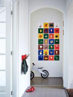 ixxi – flexibele en creatieve muurbekleding Je kunt #schilderijen, #foto's, #behang en #posters aan je #muur kunt hangen. Maar je hebt ook #ixxi! Dat zijn #vierkante #kaarten waarmee je hele #creatieve beelden kunt creëren.