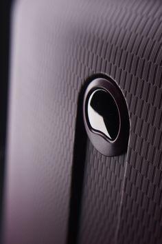 Purple Hélium close up #suitcase #travel #purple #detail #Delsey