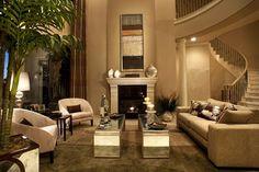 Living room by Eklektik Interiors Houston, TX